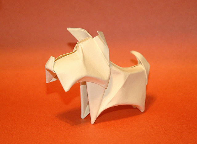 Маленький Оригами Терьер