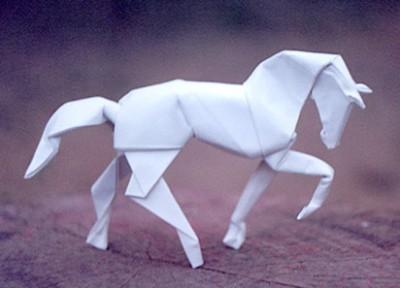 Оригами конь