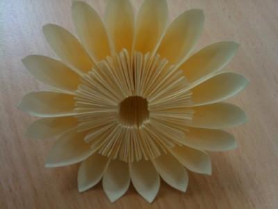 Модульный оригами цветок