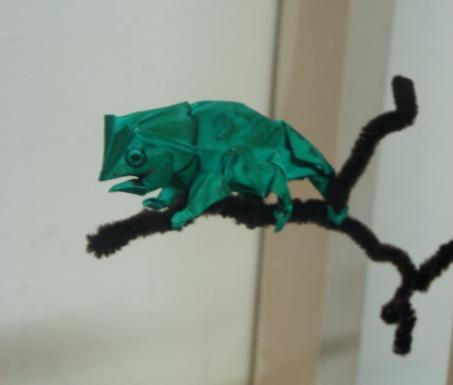 Оригами хамелеон по схеме Джона Монтролла
