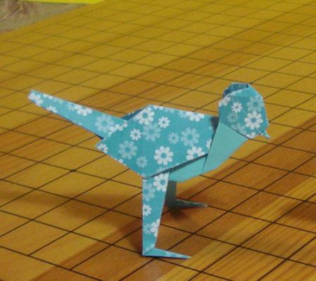 Оригами трясогузка по схеме Акира Йошизава