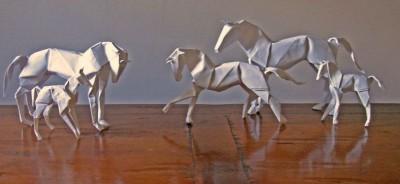 Лошади бумажные в студию