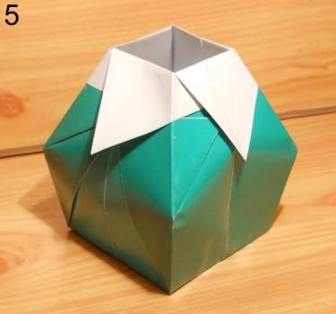 готовая ваза оригами под цветочки