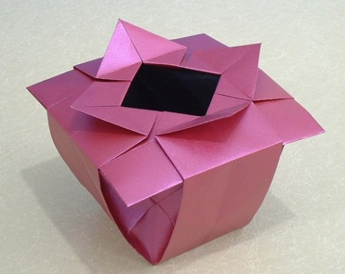 Квадратная ваза оригами