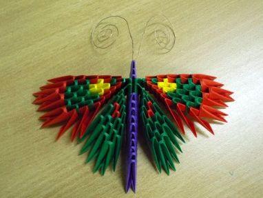 Бабочка из бумаги оригами