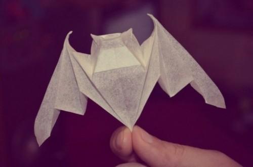 Летучая мышь оригами за схемой Michael LaFosse