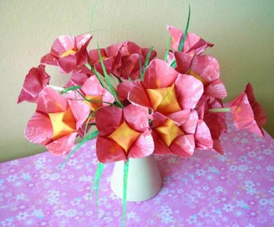 Простой оригами цветок за схемой