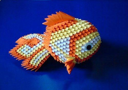 Рыбка оригами из треугольных модулей