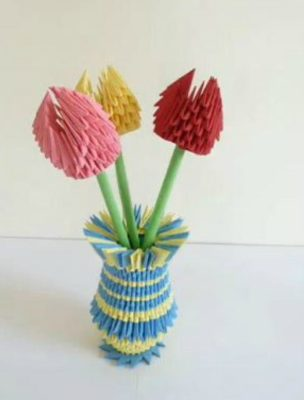 Тюльпан из треугольных модулей
