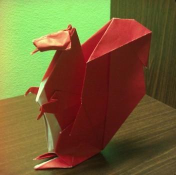 Как сложить белочку оригами
