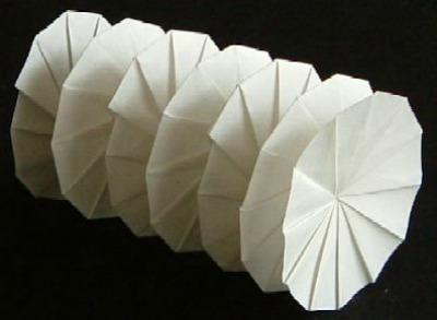 Бумажное оригами спираль
