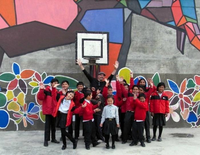 Школьники из местной школы Shikshantar