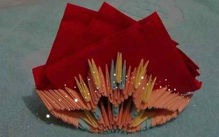Модульное оригами Салфетница для праздничного стола