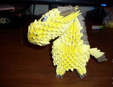 Новогоднее модульное оригами Лошадь