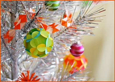 Новогодние игрушки своими руками - Гирлянда оригами