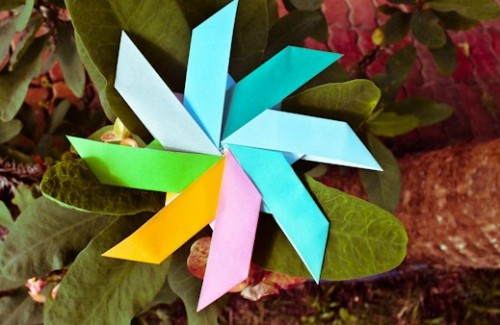 Солнышко оригами из модулей-лодочек за схемой Garibli Ilan
