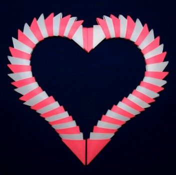 День Валентина модульное оригами рамки в виде сердца