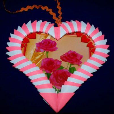 Модульная рамка оригами в виде сердечка на День влюбленных
