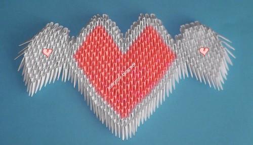 Модульное оригами сердце с крылышками