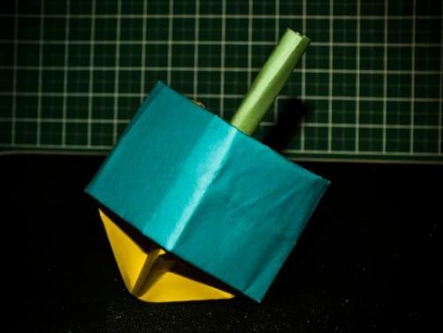Объемный оригами волчок за схемой Yami Yamauchi