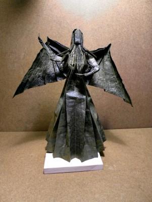 Дама с крыльями за схемой Марио Андроса Нетто (Mario Adrados Netto)