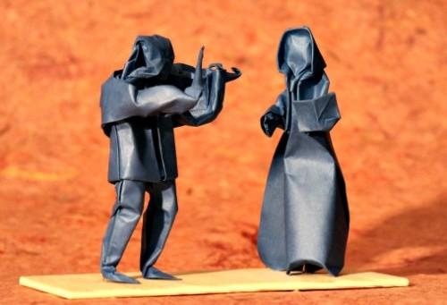 Оригами из бумаги человек-скрипач